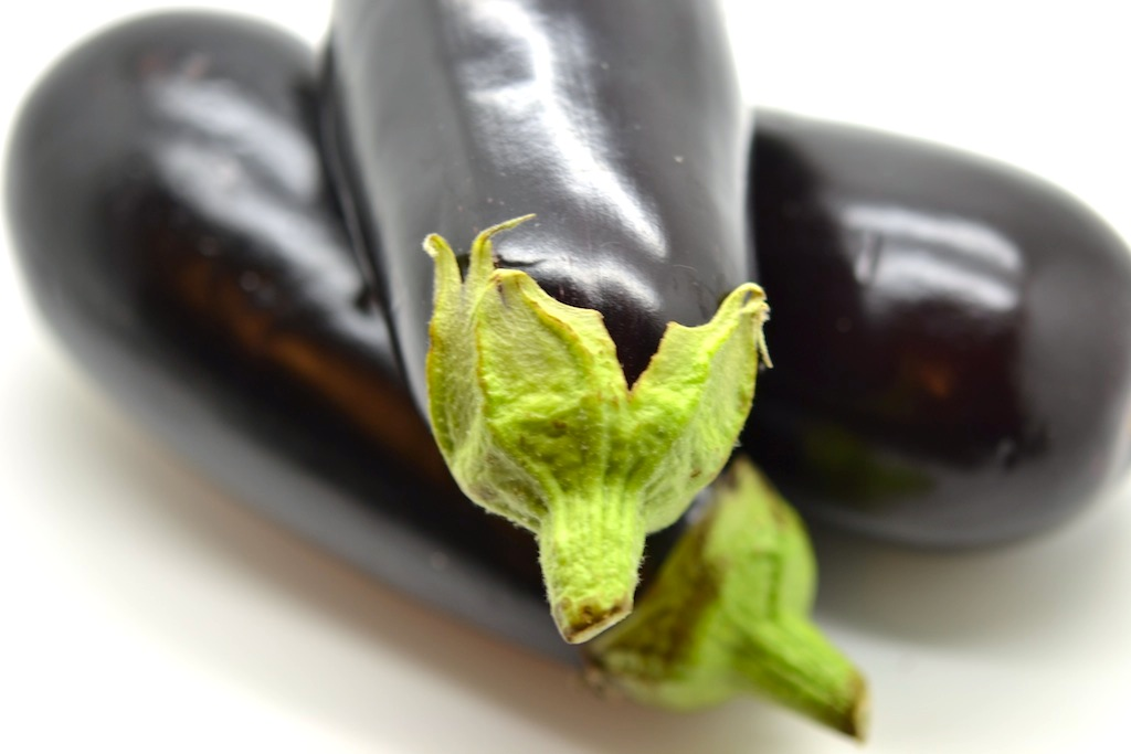 cuire une aubergine presque sans mati re grasse loftkitchen. Black Bedroom Furniture Sets. Home Design Ideas