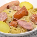 Un plat d'hiver par excellence: la choucroute garnie alsacienne